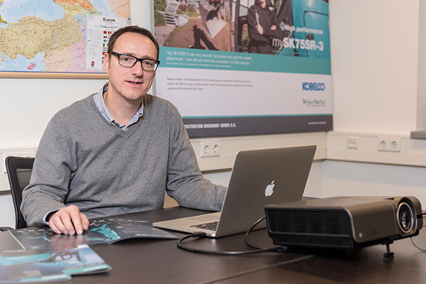 Business Manager Kobelco